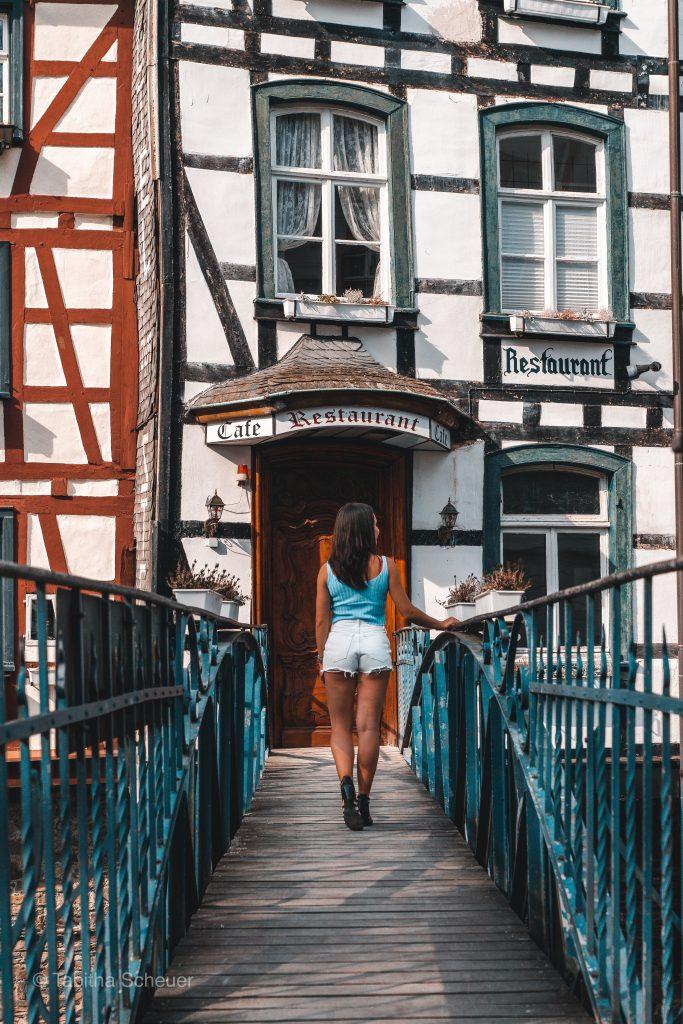 Girls who travel solo |Germany Solo Travel | Monschau