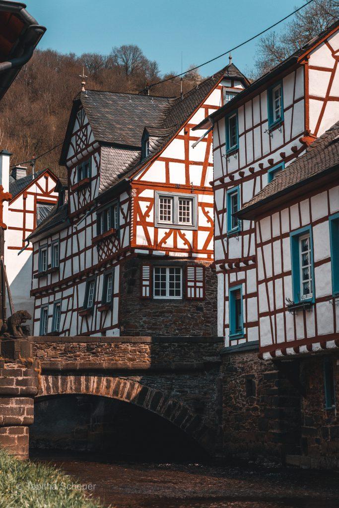 Monreal |Deutsche Eifel |Monreal in der deutschen Eifel |German Eifel Monreal |Travel Couple Germany |NRW