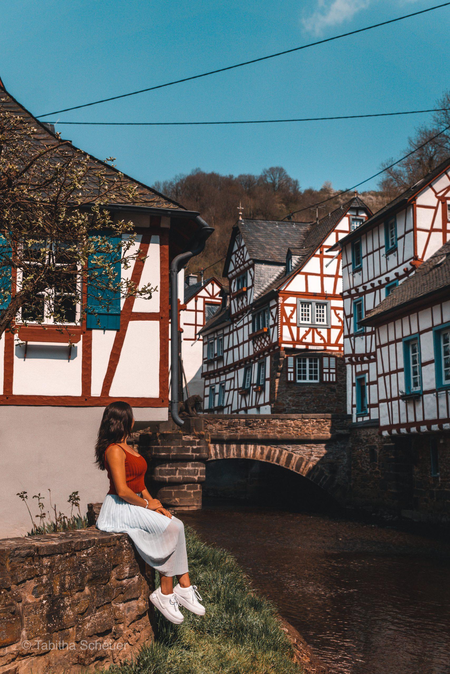 Monreal |Deutsche Eifel |Monreal in der deutschen Eifel |German Eifel Monreal |Travel Couple Germany |Photography Tips for Women