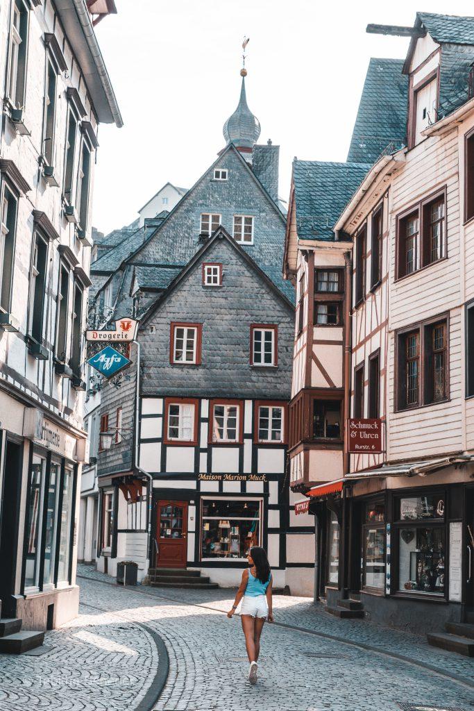 Monschau |Girls who travel | Germany