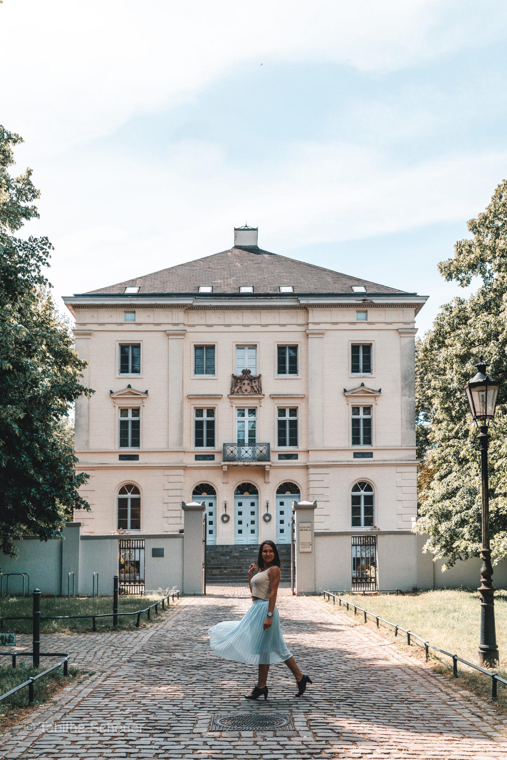 Schloss Mickeln in Düsseldorf |Photo Spots in Düsseldorf
