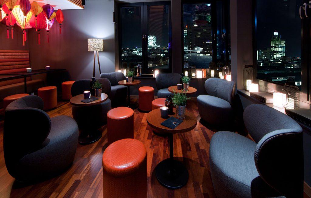 me and all lounge | Düsseldorf Rooftop Bar