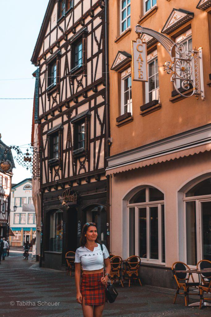 Girl exploring the beautiful city of Linz am Rhein