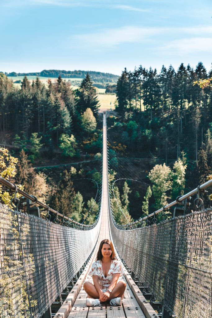 Girls Who Travel |Girls Who Wander |Hängeseilbrücke Geierlay