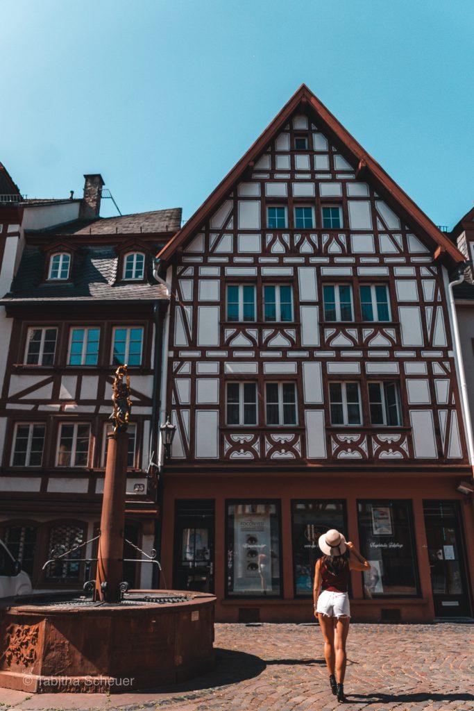 Kirschgartenplatz in Mainz | Beautiful half-timbered houses in Mainz Germany |Germany Travel Tips |Deutschland Reisetipps