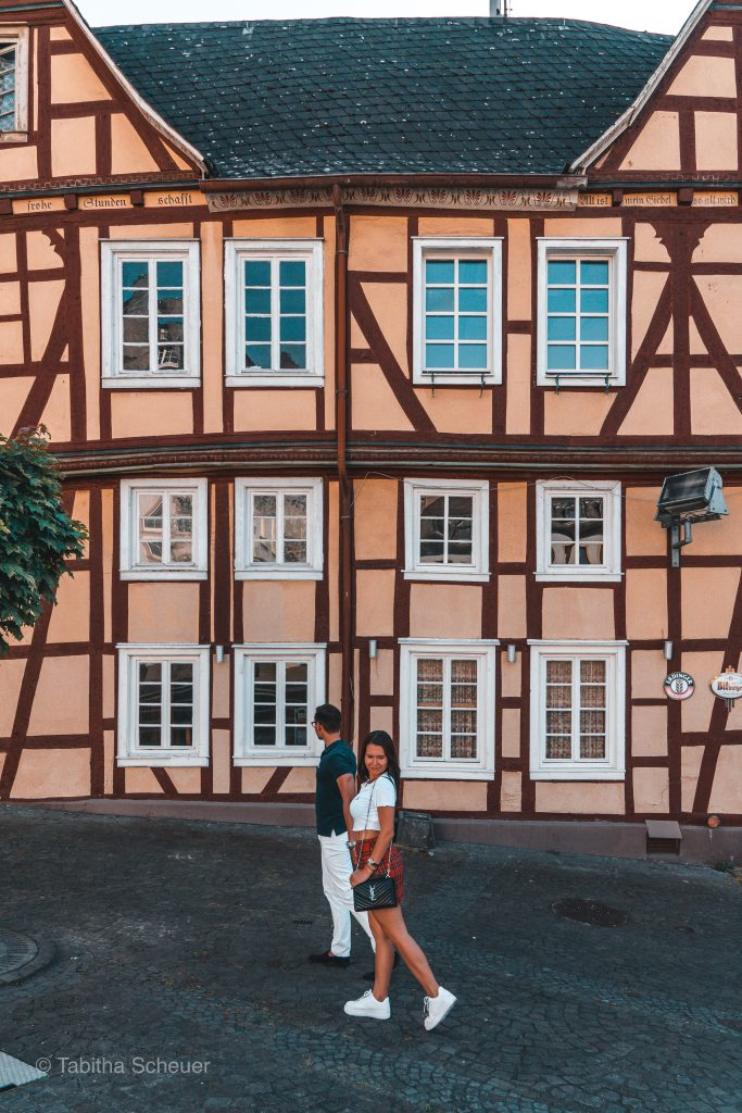 Travel Couple Poses | Linz am Rhein in Germany