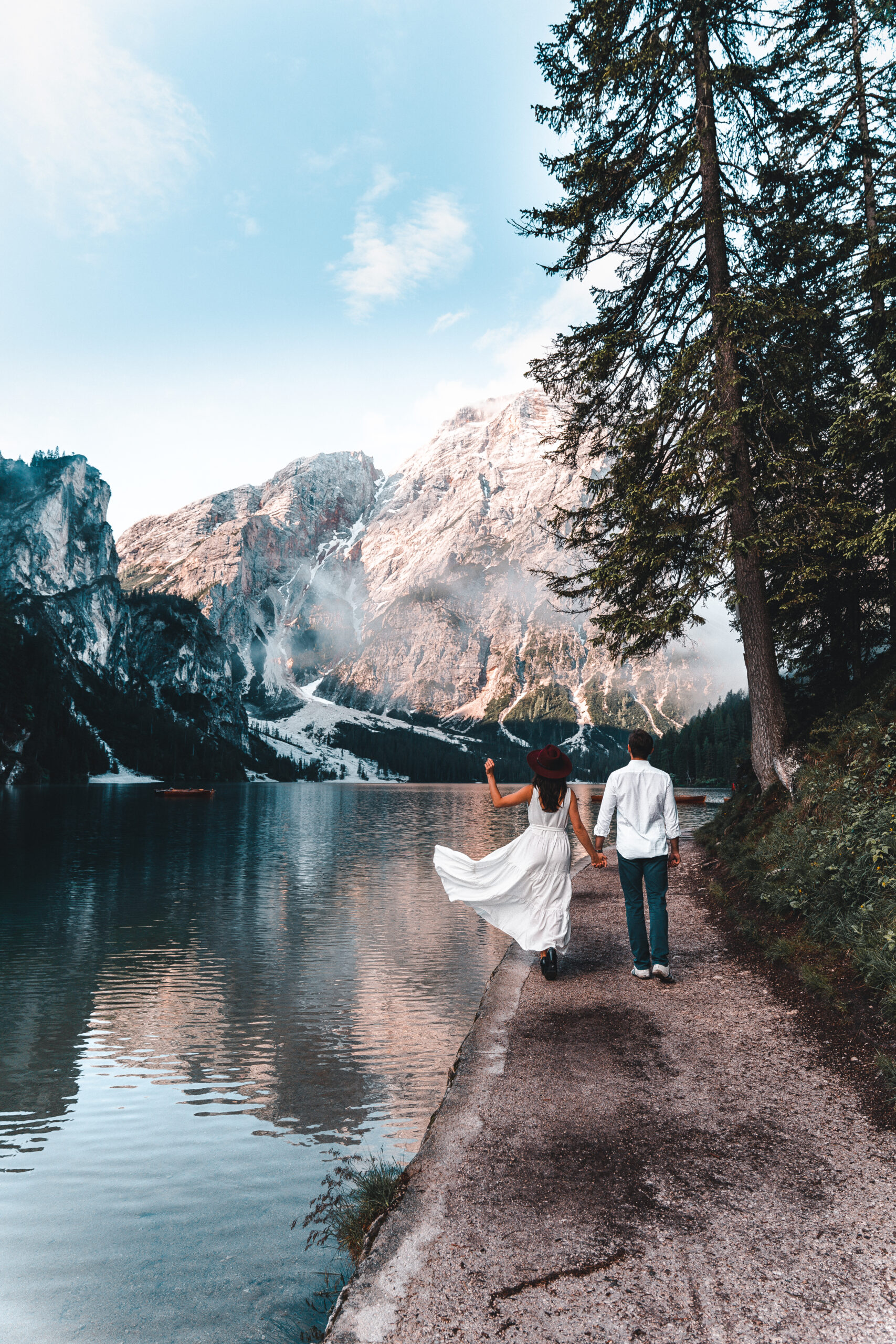 A complete guide on how to visit Lago di Braies in Italy