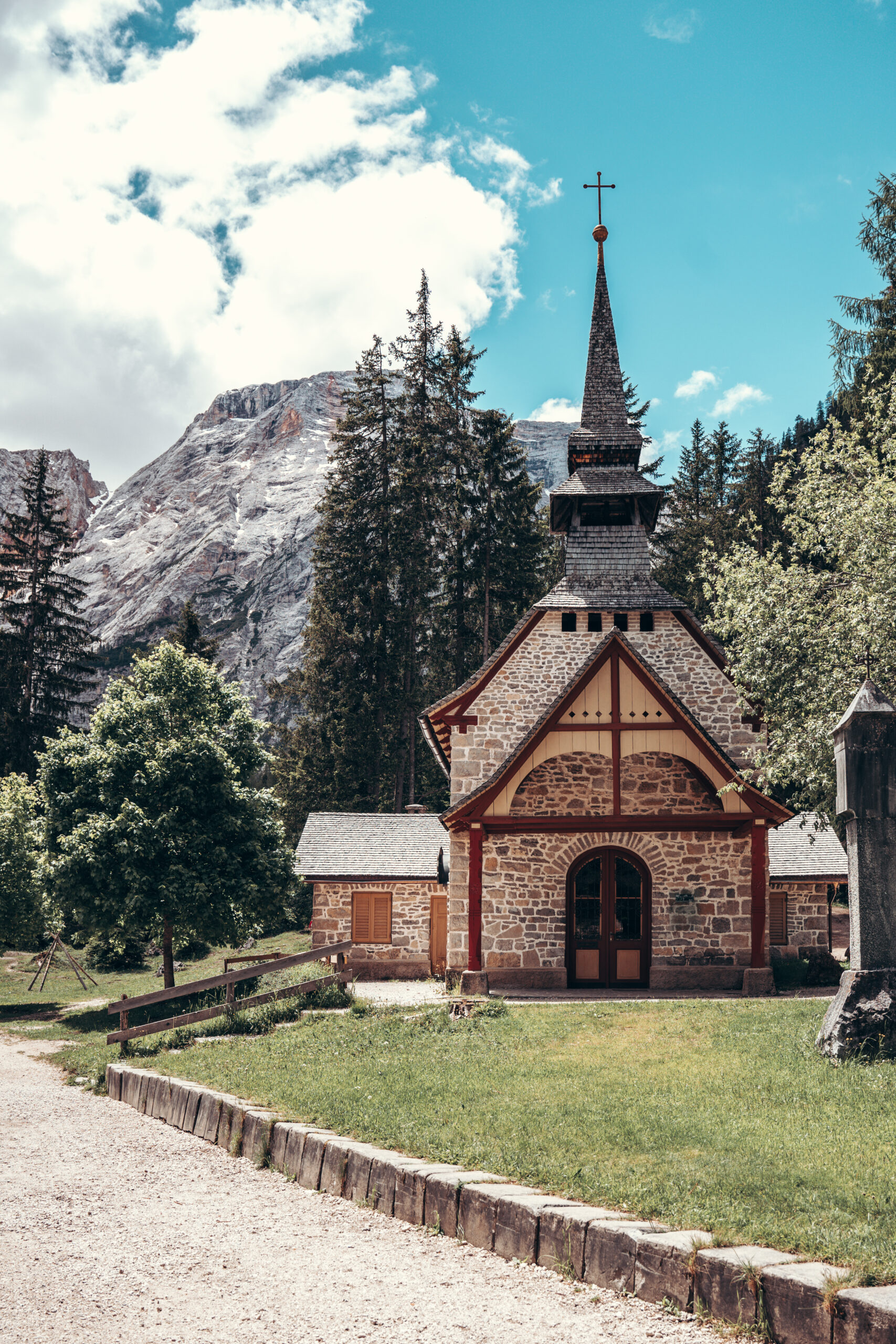 Chapel at Lago di Braies | Pragser Wildsee