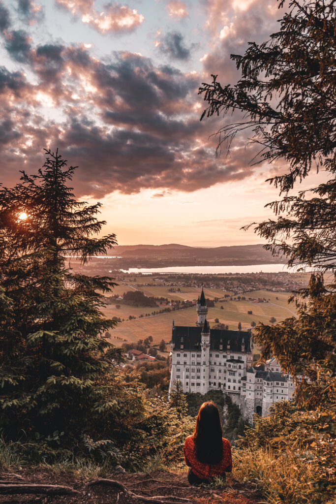 Schloss Neuschwanstein bei Sonnenuntergang | Travel Tips & Travel Guide by Tabitha & Florian