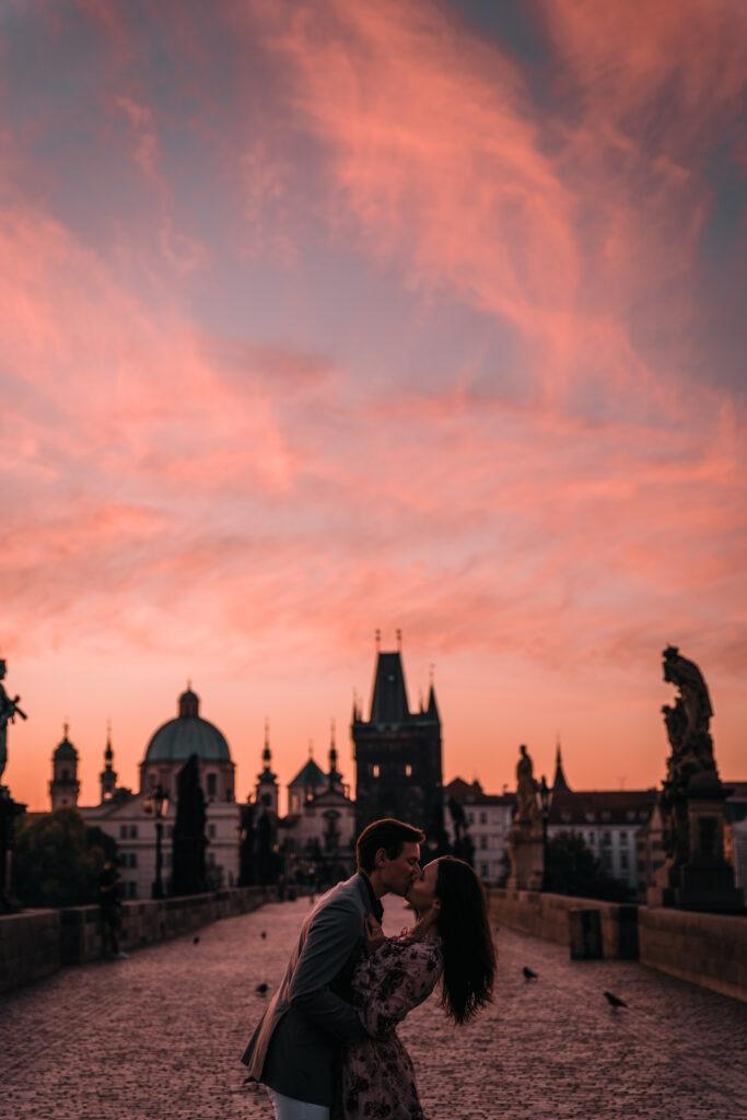Charles Bridge in Prague | How to spend a weekend in Prague