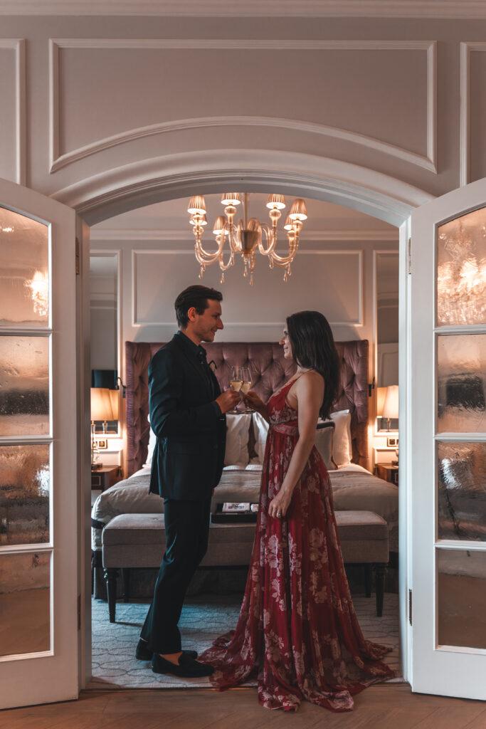 Fairmont Hotel Vier Jahreszeiten | Couple Shot by Tabitha and Florian