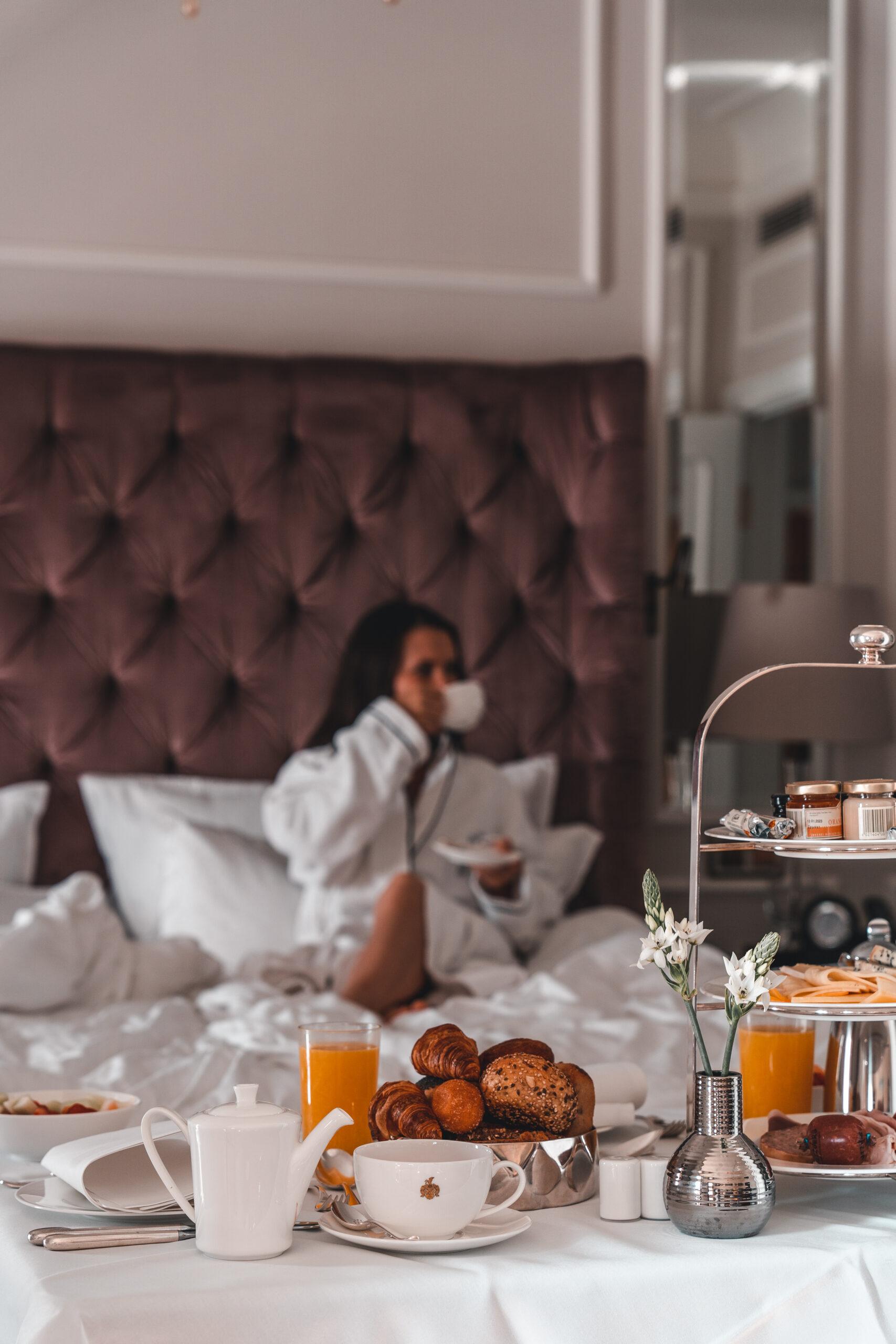 Fairmont Hotel Vier Jahreszeiten | Detailshot breakfast by Tabitha & Florian